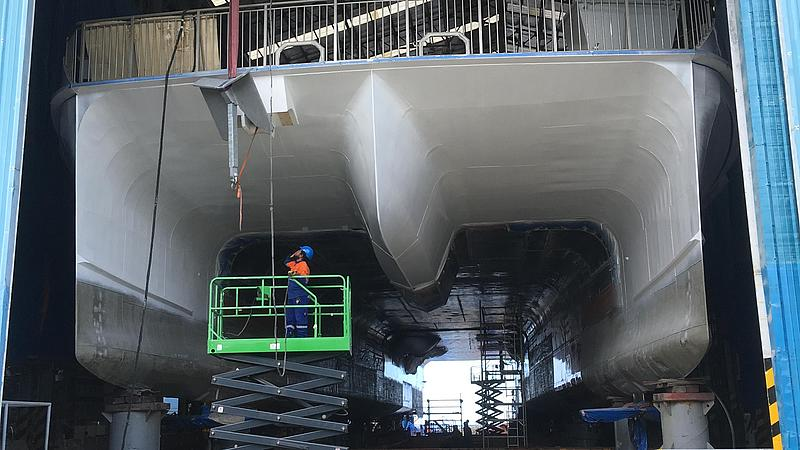 Halunder Jet and its construction at austal.